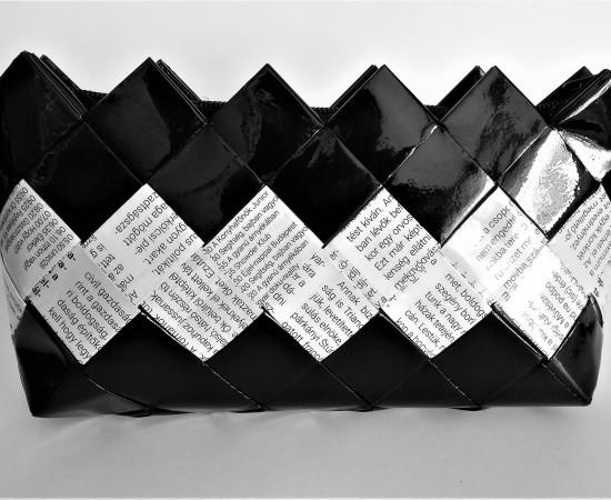 Neszeszer-kozmetikai táska fekete fehér